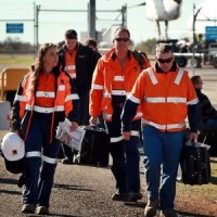 What are the pros and cons of being a FIFO worker?